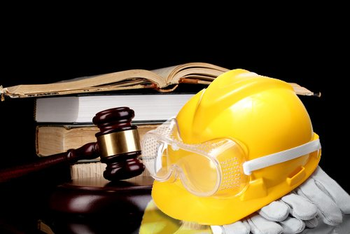 Hiring a Workers Comp Lawyer- Things to consider